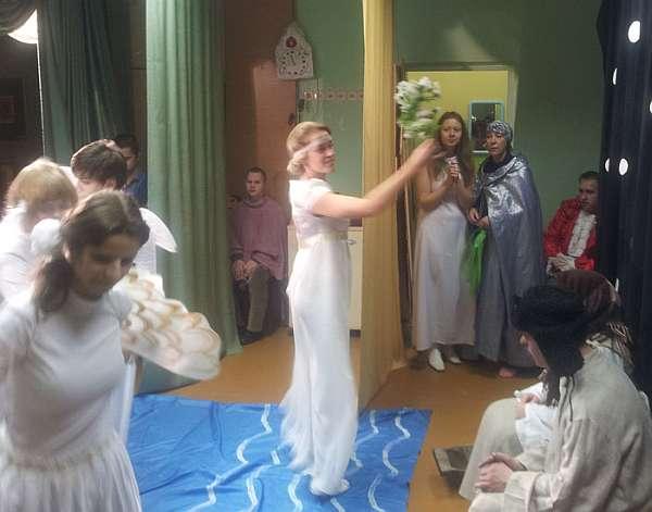 Weihnachten im Waisenhaus des Klosters der hl. Elisabeth in Minsk, Weißrussland